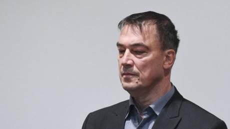 Der ehemalige Landtagsabgeordnete Linus Förster steht derzeit in Augsburg vor Gericht.