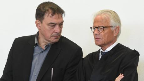 Der ehemalige Landtagsabgeordnete Linus Förster (links) mit seinem Anwalt Walter Rubach.