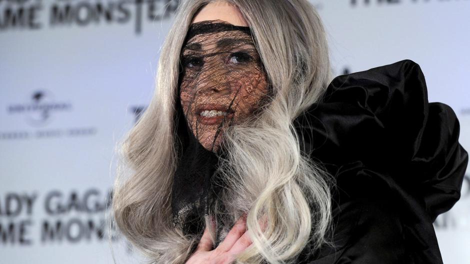 Wo Kann Man Halloween Kostüme Kaufen.Halloween Prominente Zeigen Ihre Schrägen Halloween Kostüme