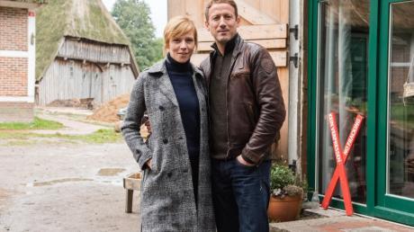 """Die Schauspieler Franziska Weisz und Wotan Wilke Möhring während der Dreharbeiten zu """"Böser Boden"""". Der """"Tatort"""" wird am Sonntag im Ersten zu sehen sein."""