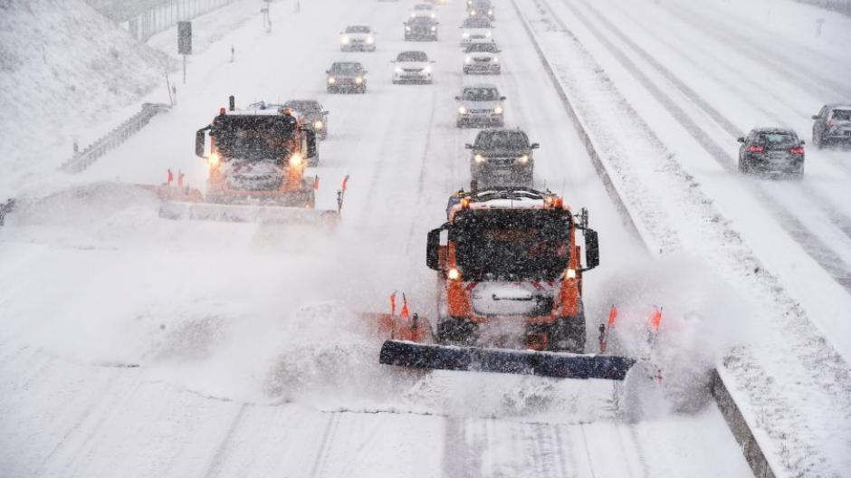 Region Schnee Sorgte Für Unfälle Gefahr Bleibt In Den Kommenden