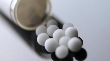 Die Wirksamkeit von homöopathischen Globuli sind umstritten.