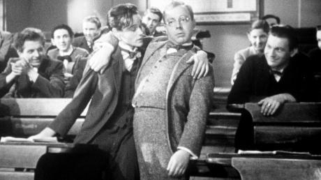"""Schon seit dem Jahr 1944 gibt es den Film """"Die Feuerzangenbowle"""". Alt geworden ist er bis heute nicht."""