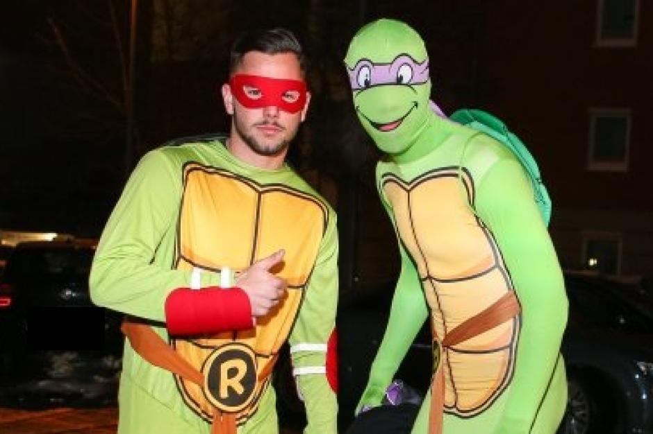Augsburger Superhelden machen Weihnachtsfeier zur Kostüm-Party - FC ...