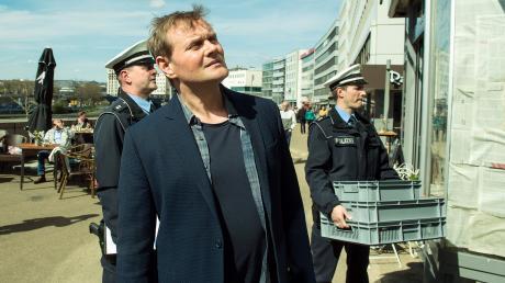"""Devid Striesow (Hauptkommissar Jens Stellbrink) in einer Szene des Saarbrücken-Tatorts """"Mord Ex Machina""""."""