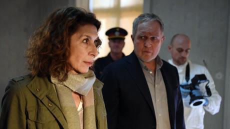 Bibi Fellner (Adele Neuhauser) und Moritz Eisner (Harald Krassnitzer) haben einen Verdacht: Das Phantom führt die Polizei an der Nase herum.
