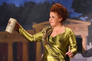 "Luise Kinseher verkündet Rücktritt als ""Mama Bavaria"""