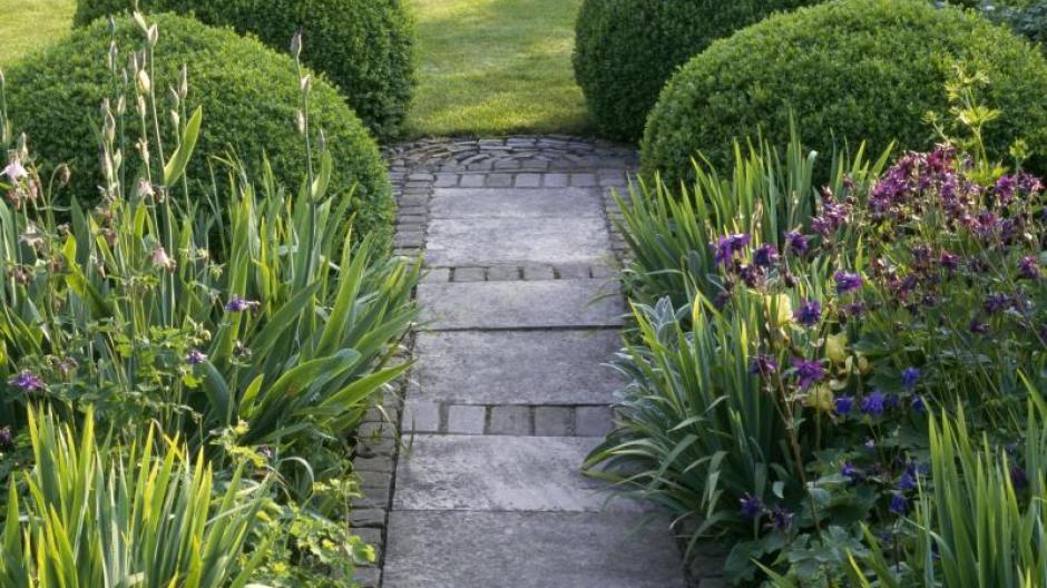 Fachgerecht Gartenwege Anlegen