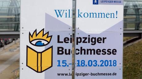 Die Leipziger Buchmesse heißt die Besucher willkommen. Foto: Sebastian Willnow