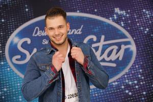 Augsburger DSDS-Sänger Michael kommt mit Bourani weiter
