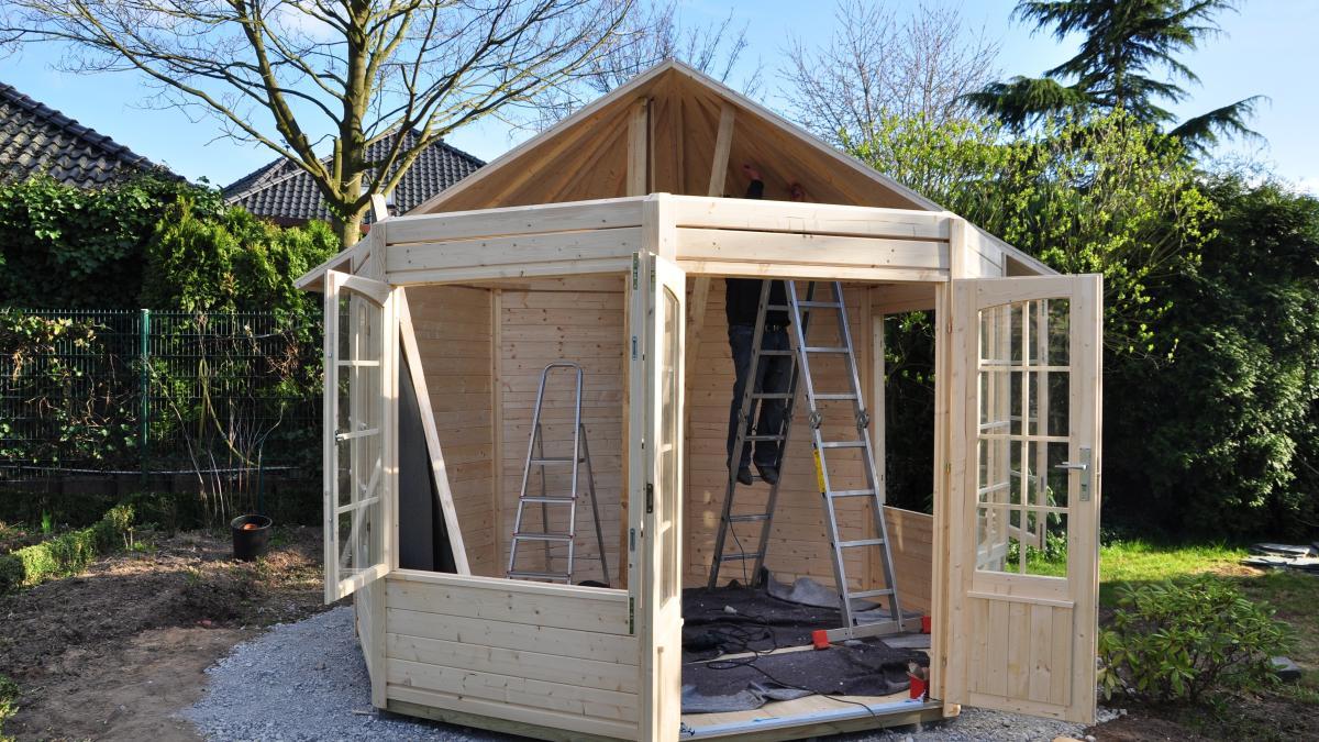 baurecht: gartenhäuser müssen genehmigt werden - bauen & wohnen