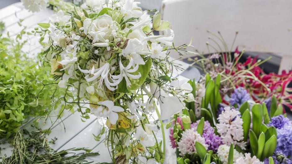 Hochzeit Kräuter Im Brautstrauß Sind Symbole Für Treue Und Glück