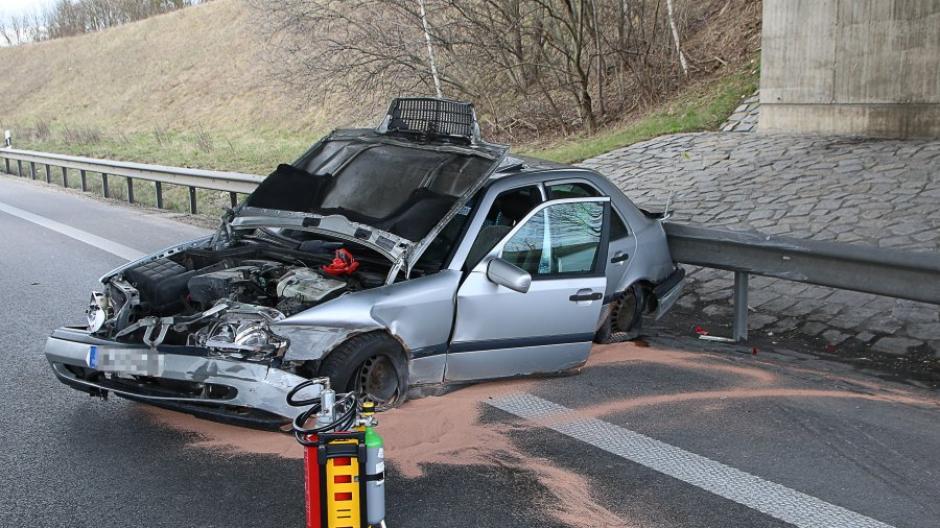 Unfall auf der A8 Hv?he AS Leipheim Richtung Stuttgart