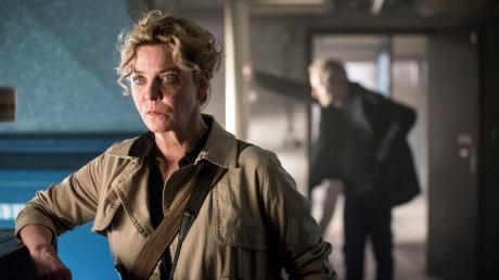 """Anna Janneke (Margarita Broich) in einer Szene des Frankfurter Tatorts """"Unter Kriegern""""."""