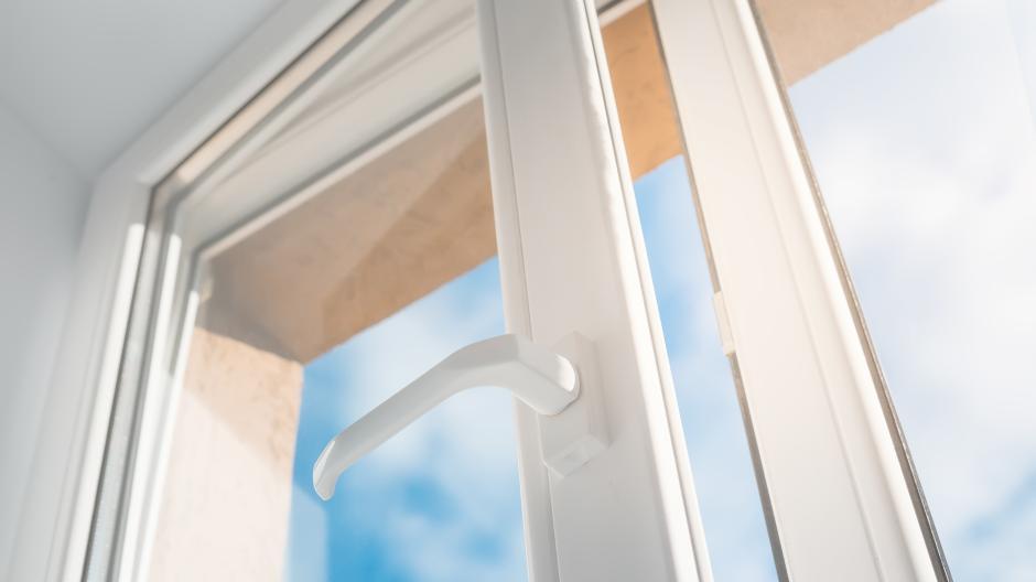 Häufig Mietrechts-Tipp: Fenster im Treppenhaus nicht abschließen - Bauen EU95