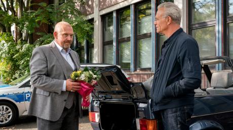 """Dicke Luft: Freddy Schenk (Dietmar Bär) hat den Hochzeitstag vermasselt. Szene aus dem Köln-Tatort """"Familien"""", der heute als Wiederholung im Ersten läuft."""
