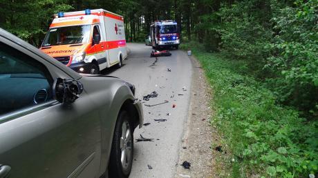 Zu einem schweren Verkehrsunfall zwischen Greifenberg und Eresing wurde die Dießener Polizei am Freitag gerufen.
