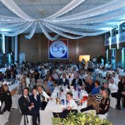 Mit ihren Mitarbeitern, Geschäftspartnern und Ehrengästen aus der Politik feierte die Firma Heidel Rohrleitungsbau sein 150-jähriges Jubiläum.