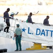 Ankunft von aus Seenot geretteten Flüchtlingen in Spanien