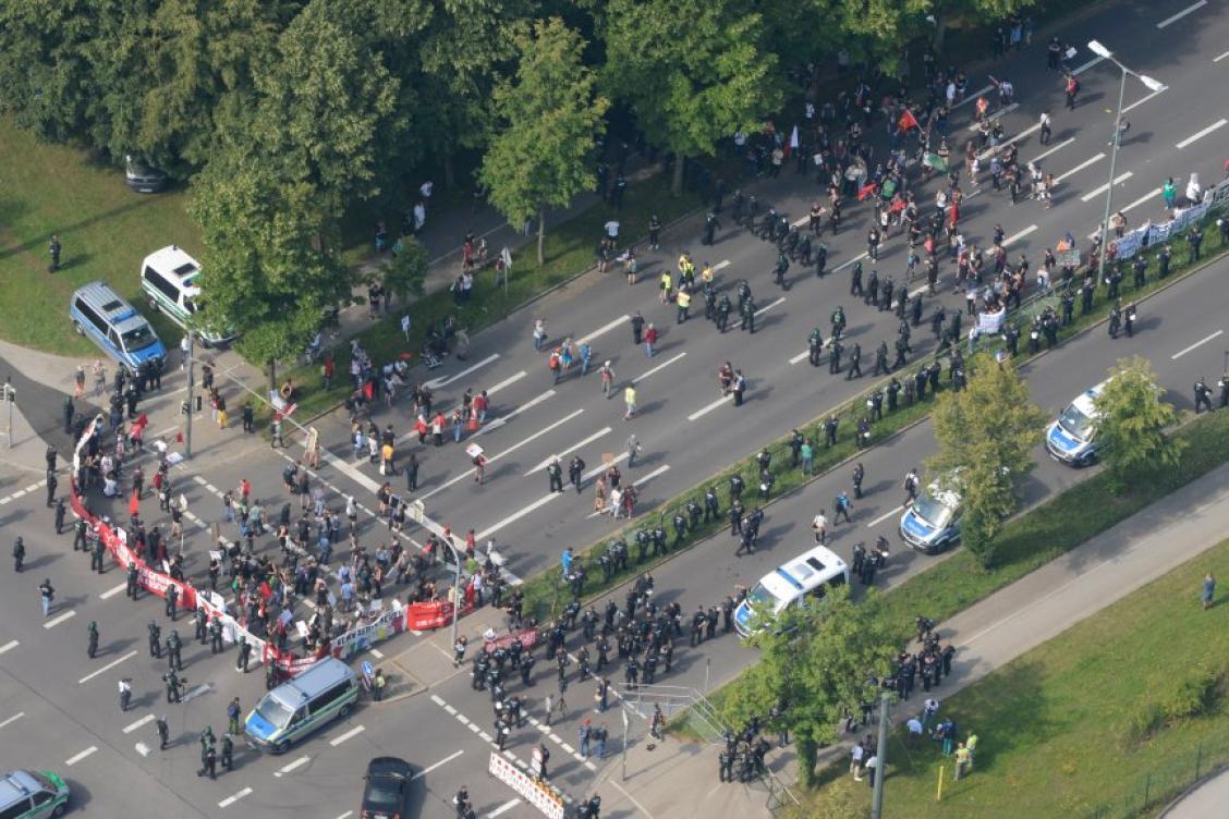 AfD-Parteitag in Augsburg: Tausende Gegner demonstrieren