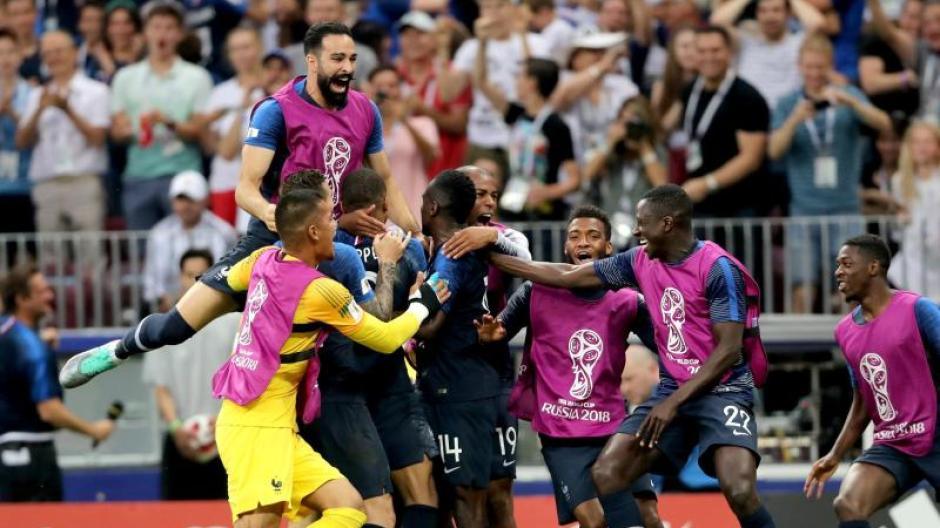 Fussball Wm 2018 Denkwurdiges Finale Frankreich Kront Sich