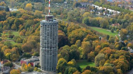 Luftbild Hotelturm / Wetter / Herbst / Laub