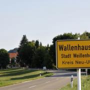 wall042aa1.jpg