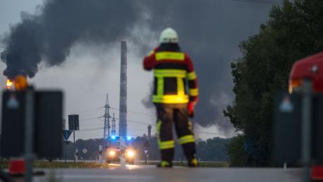 Großbrand auf Raffinerie