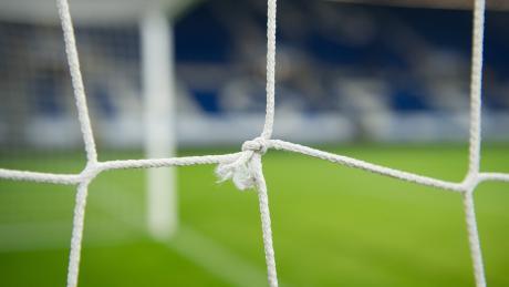 Nach der Infektion eines Fußballers des FC Burlafingen mit dem Corona-Virus sind nun auch die übrigen Spieler negativ getestet worden.