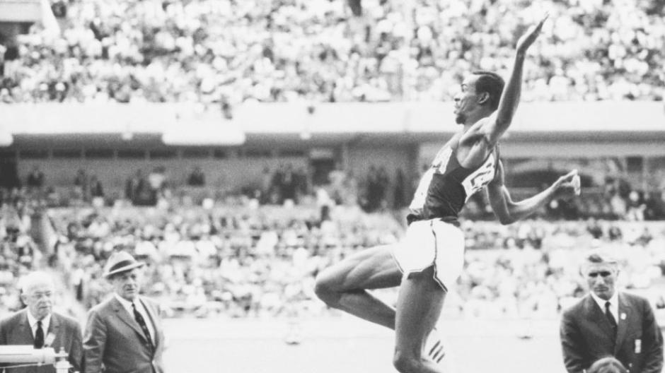 Verkauf Einzelhändler laest technology großer Rabatt Leichtathletik: Der Jahrhundert-Weitsprung von Bob Beamon ...