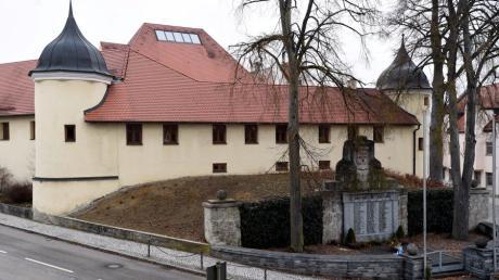 Die Fugger kauften Emersacker im 17. Jahrhundert. Nach ihnen ist das Fuggerschloss benannt.