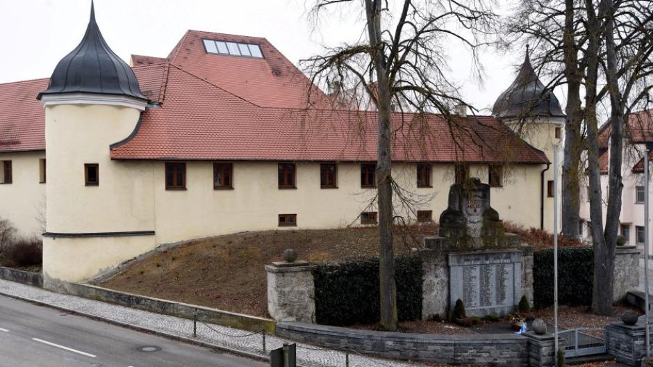 Schlossserie / Schloss Emersacker / Rathaus