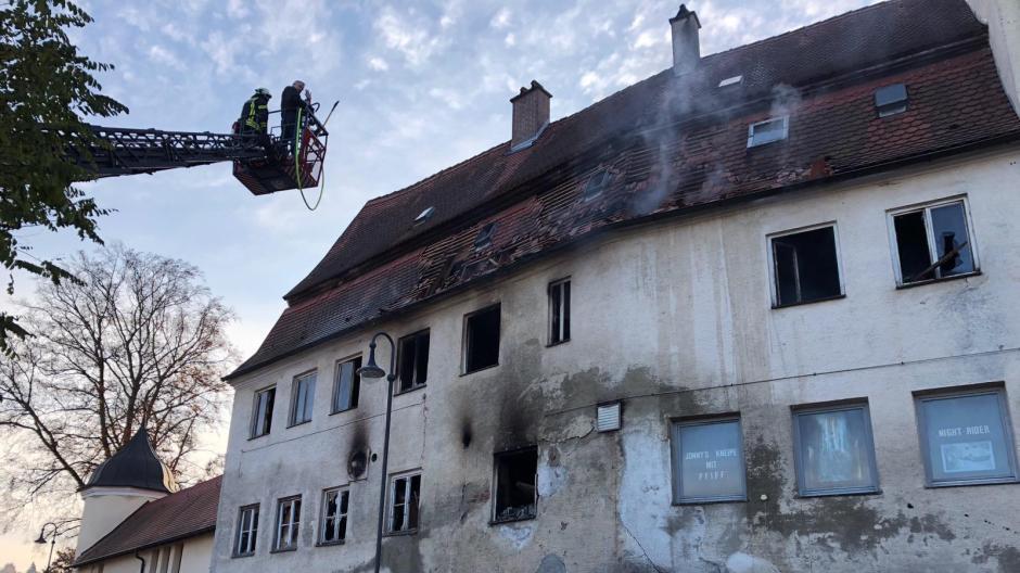 Brand Schloss Emersacker.jpg