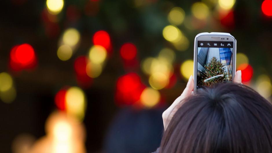 Smartphone als Weihnachtsgeschenk: Wann gibt es die günstigsten ...