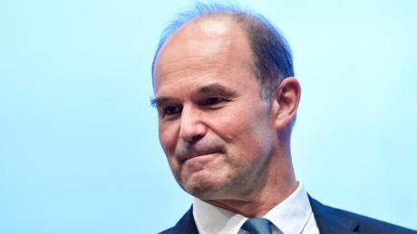 BASF-Chef Martin Brudermüller will sparen. Foto: Uwe Anspach