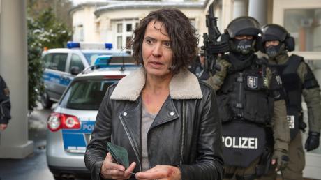 """Lena Odenthal (Ulrike Folkerts) in einer Szene des Tatorts """"Vom Himmel hoch""""."""