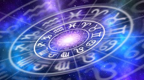 Jahreshoroskop 2020 kostenlos: Was bringt das Jahr für die Sternzeichen? Hier das Horoskop des namhaften Astrologen Martin A. Banger.