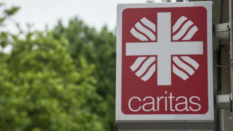 Caritas will im Aichacher Ortsteil Oberbernbach 24 Wohnplätze für ältere Menschen mit Behinderung errichten.