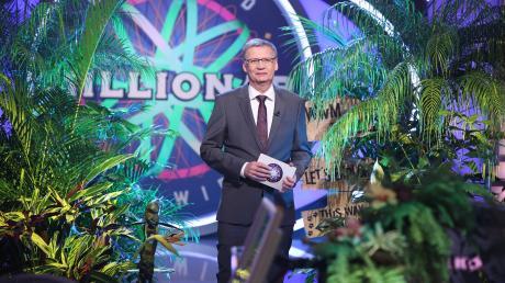 Wer wird Millionär mit Günther Jauch präsentiert sich heute im Dschungel-Look.