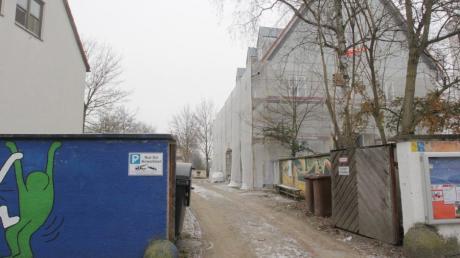 Bürgerhaus Pfersee, Jugendhaus Pfersee, Augsburg-Pfersee; Zwischenraum zwischen beiden Gebäuden, dort Erweiterung geplant