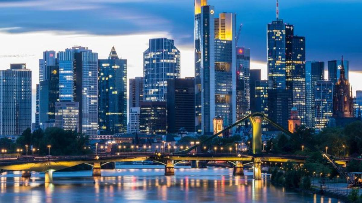 Singles & Dating in Frankfurt: Kontakte finden