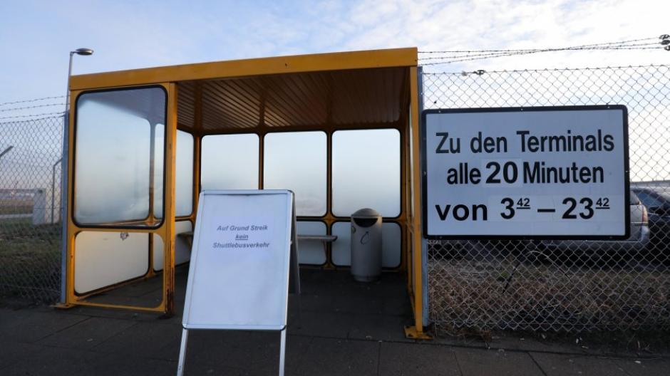 Warnstreik Streik Legt Hamburger Flughafen Lahm Wirtschaft