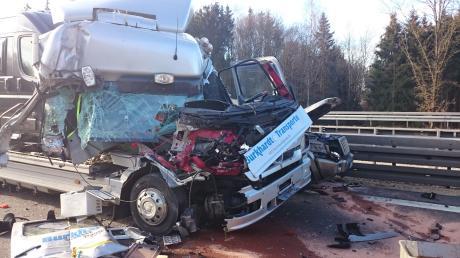 Auf der A7 ist nahe dem Dreieck Hittistetten ein Unfall passiert.