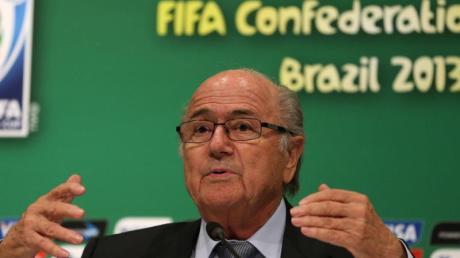 FIFA-Präsident Joseph Blatter bei einer Pressekonferenz in Rio de Janeiro. Foto: Marcelo Sayao