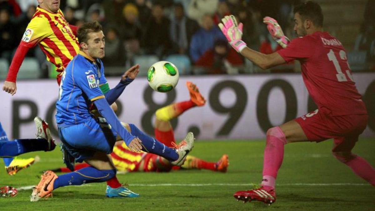 fußball barcelona dank messi im viertelfinale  neymar