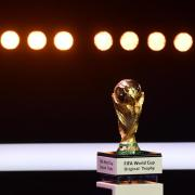 32 Mannschaften spielen bei der WM 2018 in Russland um die WM-Trophäe. Foto: Dirk Waem