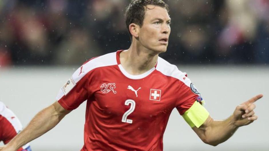 Der Schweizer Nationalspieler Stephan Lichtsteiner schließt sich zur kommenden Saison dem FCArsenal an. Foto: Laurent Gillieron/KEYSTONE