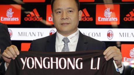 Nicht mehr länger Milan-Besitzer: Der chinesischeGeschäftsmann Yonghong Li. Foto: Antonio Calanni/AP