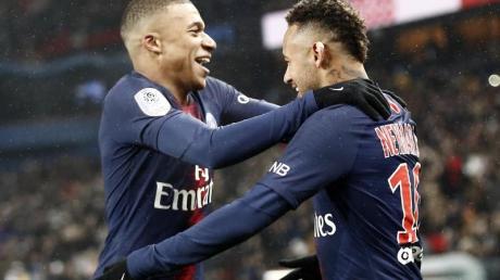Kylian Mbappé traf dreifach, sein Sturmpartner Neymar zweifach für Paris.