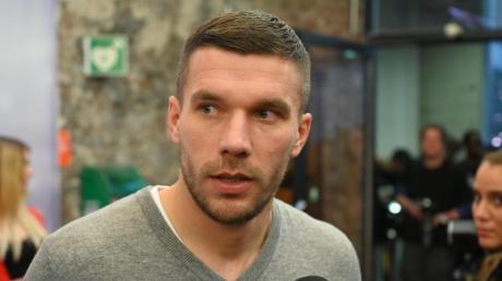 Musste sich einer nach Ohren-Operation unterziehen: Lukas Podolski. Foto: Henning Kaiser